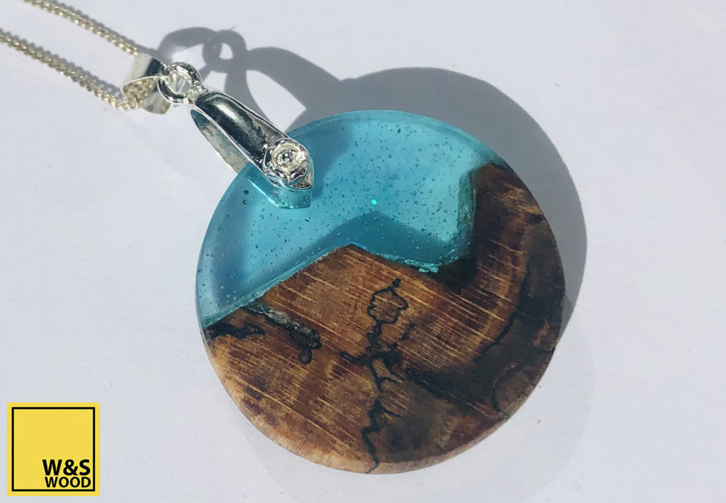 W&S Wood Co Jewellery wooden bright blue sky at night
