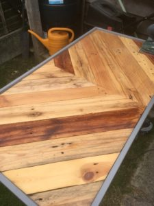 Pallet table oiled