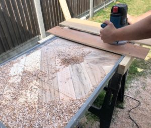 Pallet table routering