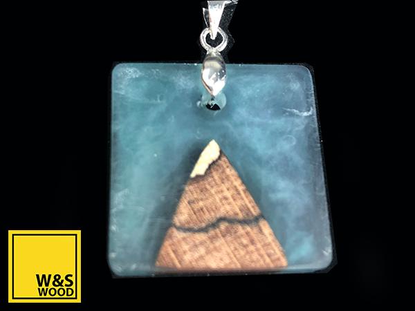 Was wood mountain resin jewellery